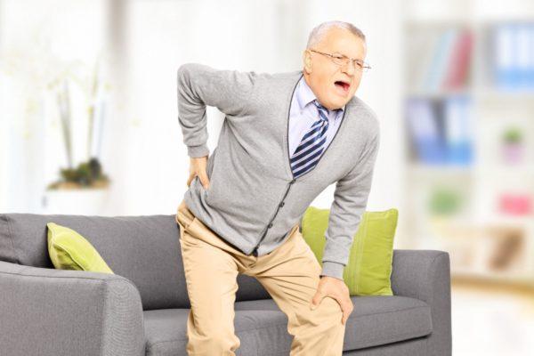 При протрузии присутствует болевой синдром