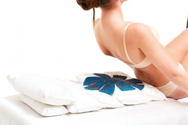 Аппликаторы используют для лечения заболеваний спины, малого таза и т.д.
