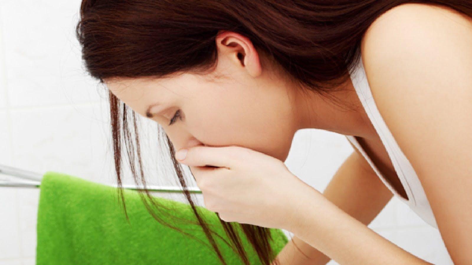 Боль в пояснице и тошнота у женщин