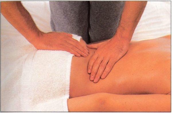 В процессе массажа активно улучшается кровообращение в тканях