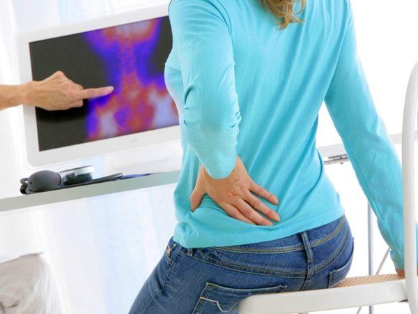 Дегенеративные патологии позвоночника и патологические процессы в мышцах - еще одна возможная причина