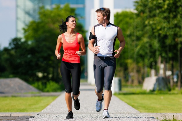 Если боли в спине не острые, не стоит отказываться от движения