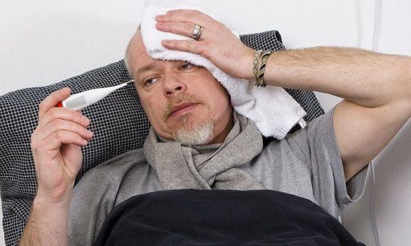 Если боли в спине сопровождаются лихорадочным состоянием, необходима срочная медицинская помощь