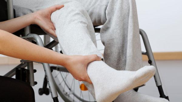 Инсульт спинного мозга может привести к инвалидности