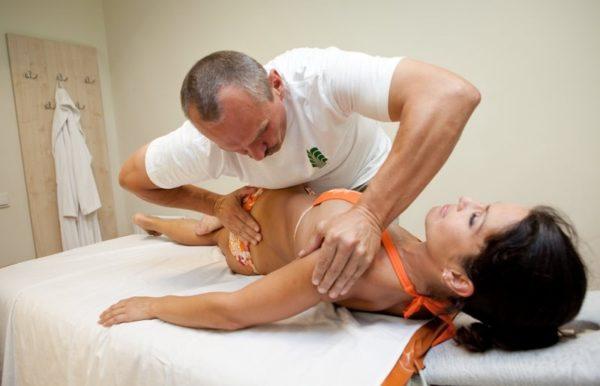 Мануальный терапевт - врач с высшим образованием
