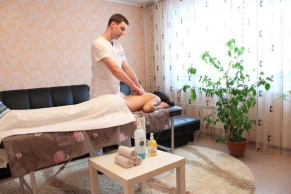 Массаж на дому без предварительно проведенной диагностике может принести не пользу, а болевые ощущения