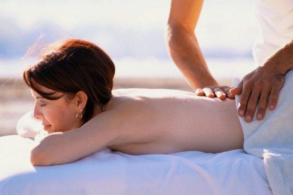 Массаж способствует снятию напряжения и уменьшению болей