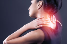 Опасные симптомы - сочетание болей в спине с болями в области шеи