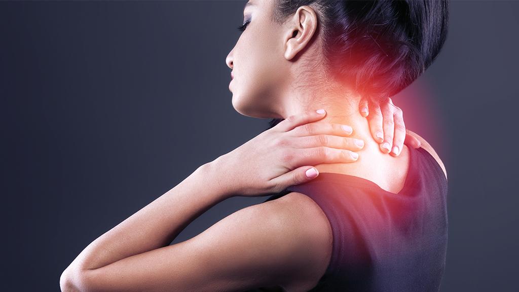 Почему после массажа болит спина и шея: причины, что делать