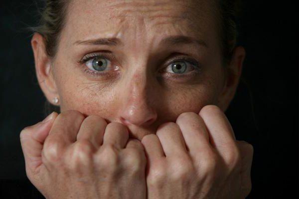Приступ эмоционального напряжения называется пароксизмальной тревожностью