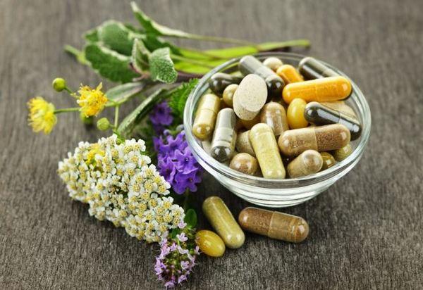 Множество народных рецептов помогут избавиться от невралгии спины, однако лучше, если пациент будет их применять параллельно с приемом медикаментов