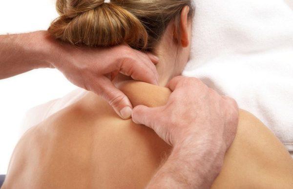 После массажа болит спина и шея – это нормально?