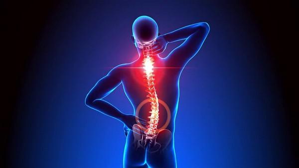 Киста позвоночника может появиться из-за чрезмерной нагрузки, неправильного образа жизни, лишнего веса