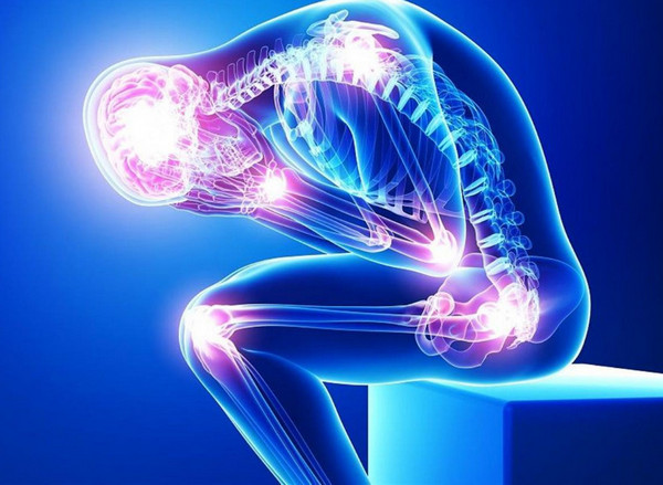 Сенильный остеопороз часто сопровождается многочисленными переломами, поскольку костная ткань становится очень слабой