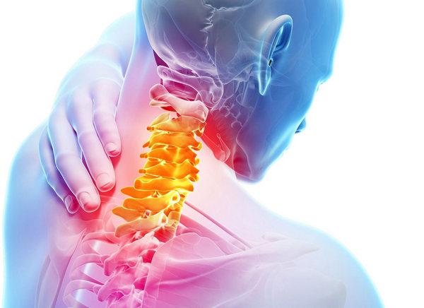 Лечить остеохондроз можно по-разному: например, при помощи медикаментов, физиотерапии, а также массажа