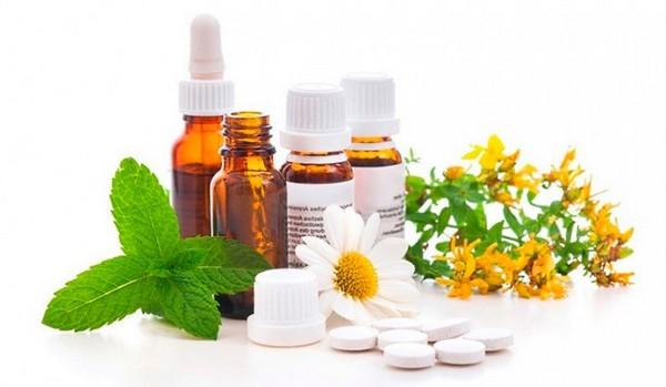 Лечить остеохондроз нужно комплексно, прибегая и к медикаментозной терапии, и к народным средствам, а также ЛФК и физиотерапии