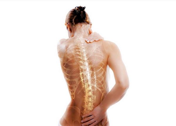 Одним из осложнений сенильного остеопороза является искривление позвоночника