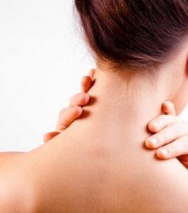Перед самомассажем стоит подготовиться – принять удобное положение, разогреть кожу и мышцы шеи