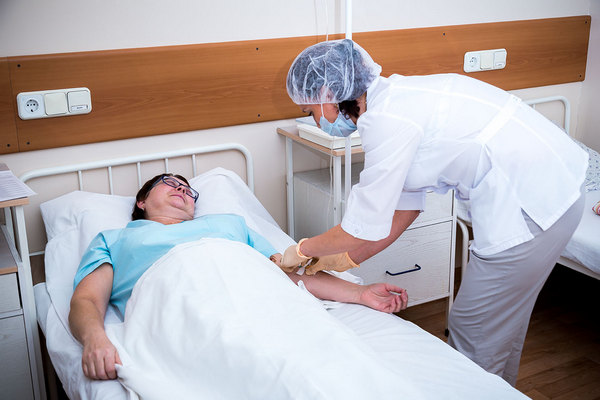 После операции пациенту придется некоторое время провести под наблюдением врача
