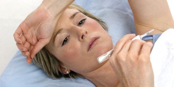 Воспаление лимфоузлов обычно сопровождается повышением температуры тела и общим недомоганием