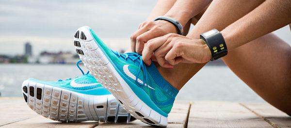 Для бега нужна легкая удобная обувь на пружинящей подошве