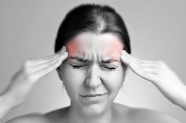 Нарушения кровообращения, вызванные остеохондрозом, проявляются мучительными головными болями