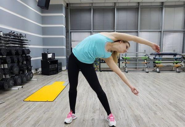 Если члишком резко наклониться вбок или повернуться, может возникнуть мышечное перенапряжение
