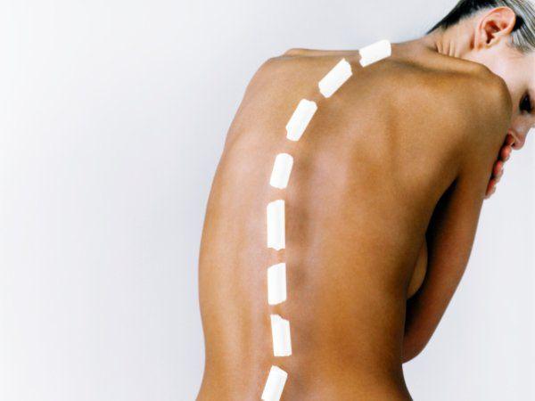 Из-за травм, гиподинамии могут возникать естественные нарушения позвоночной структуры