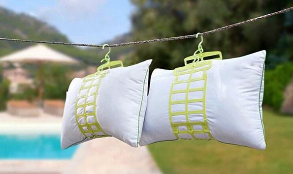 Не забывайте периодически проветривать и сушить подушки
