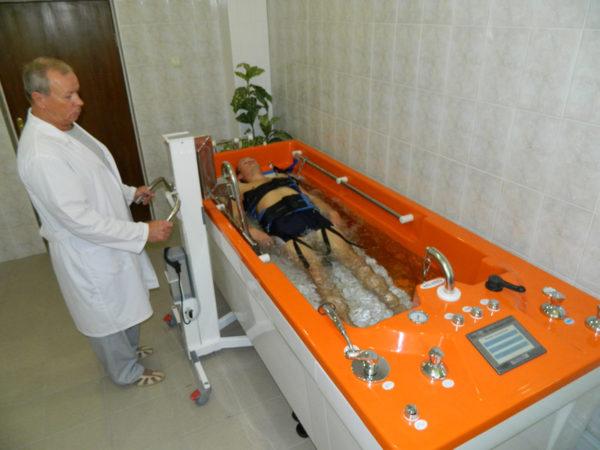 Подводное вытяжение с массажем