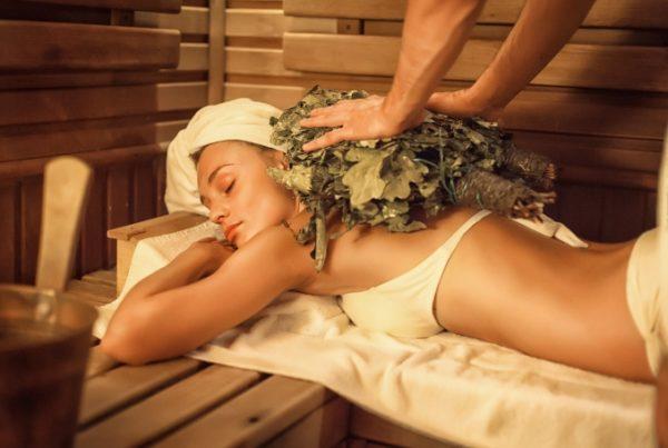 Смена банного жара и прохлады предбанника стимулирует самые скрытые силы организма