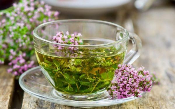 Травяные чаи улучшают отхождение мокроты и успокаивают раздраженные слизистые глотки
