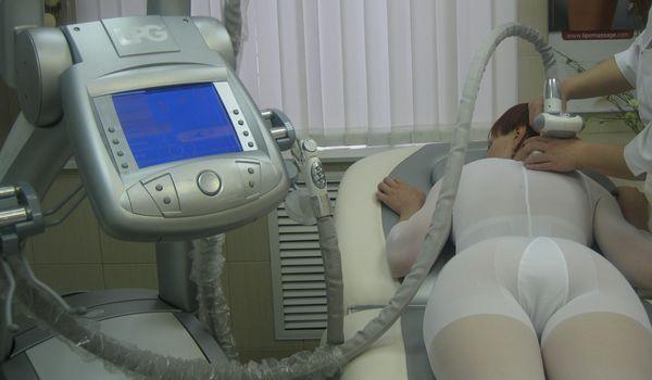 Наиболее эффективные методы лечения таких патологий – физиотерапия и массажи