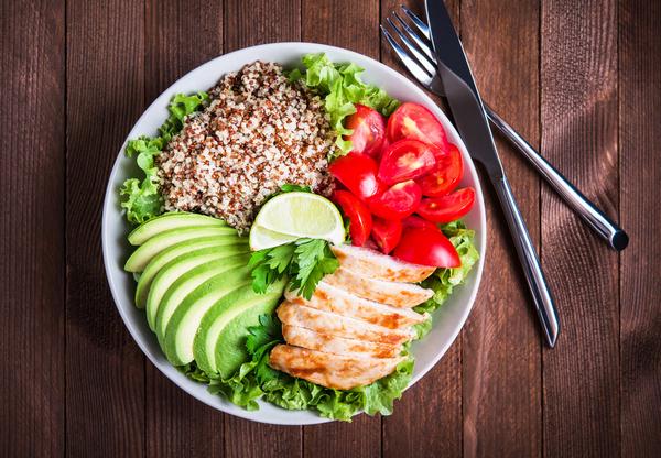 Врачами не доказано, что какая-либо диета улучшит состояние больного СМА, однако правильное питание может облегчить его жизнь