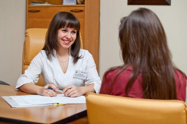 Женщине во время беременности стоит тщательно следить за своим здоровьем и регулярно проходить обследования