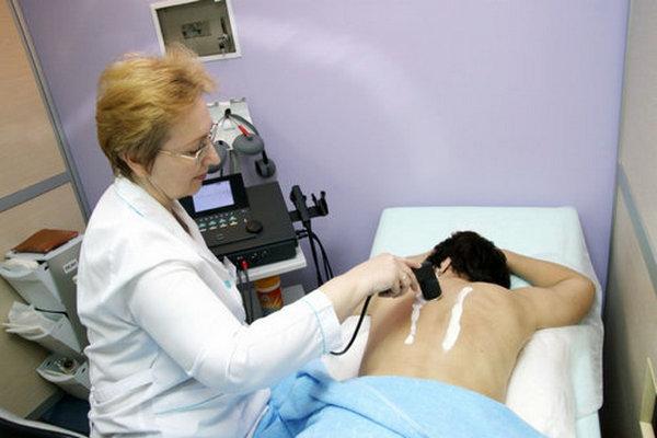 Методы физиотерапии отлично купируют симптомы остеохондроза и улучшают общее состояние организма