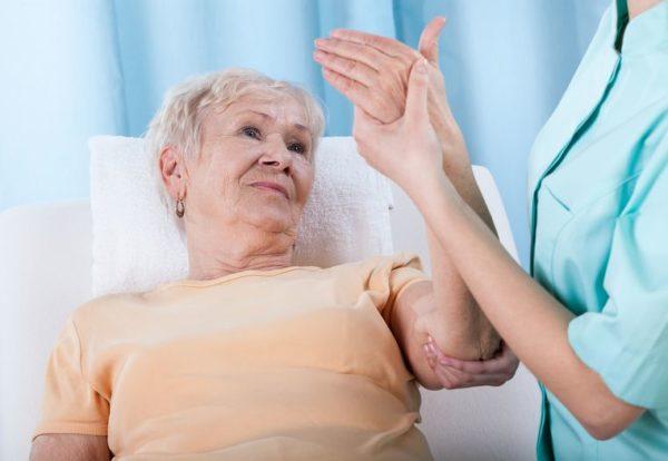 После менопаузы шанс развития остеопороза резко увеличивается