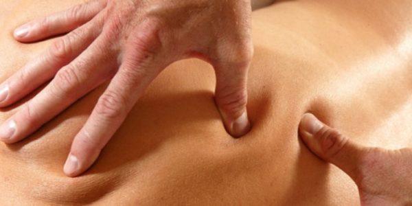 При помощи пальпации больного места можно точно определить область пораженного участка