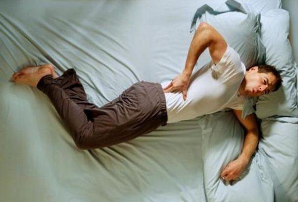 Самый явный из симптомов остеомиелита - боль на фоне общей интоксикации и плохого самочувствия
