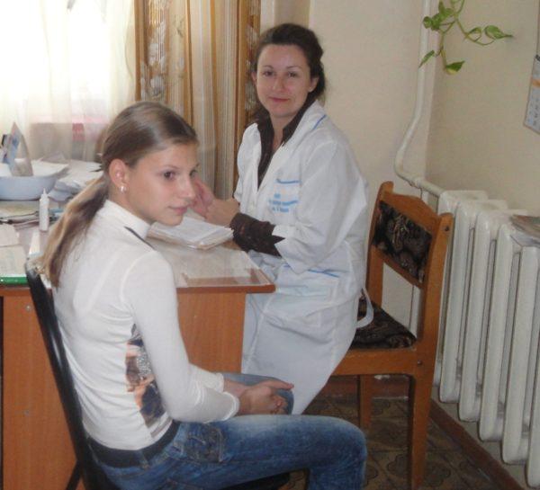 Участковый детский врач осмотрит ребенка и перенаправит к узким специалистам для решения имеющихся проблем